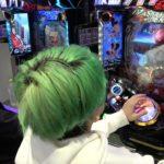 【パチンコ出玉勝負】当たりが出るたび勝ちに近づく完全運のギャンブル対決してみた